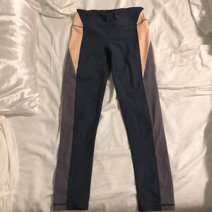 Talbot Avenue workout leggings in Neo